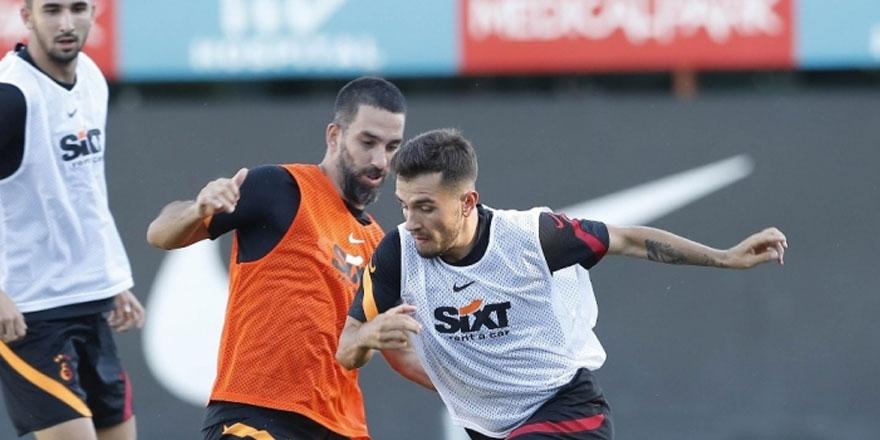 Galatasaray'da korona şoku... 2 futbolcu