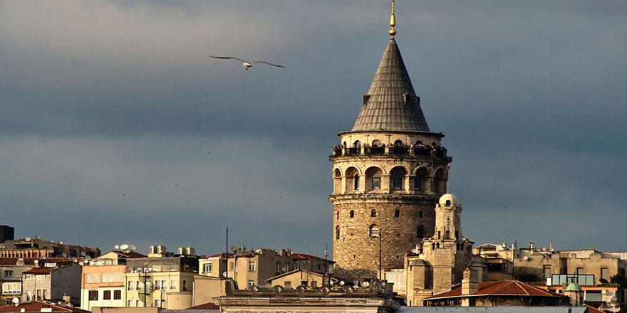 Galata Kulesi de İBB'den alınıp vakfa devredildi